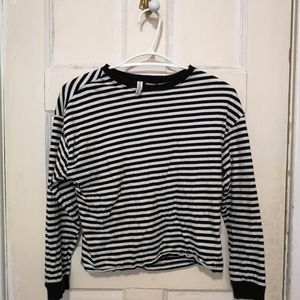 Divided by H&M Black And White Stripped Croptop XS